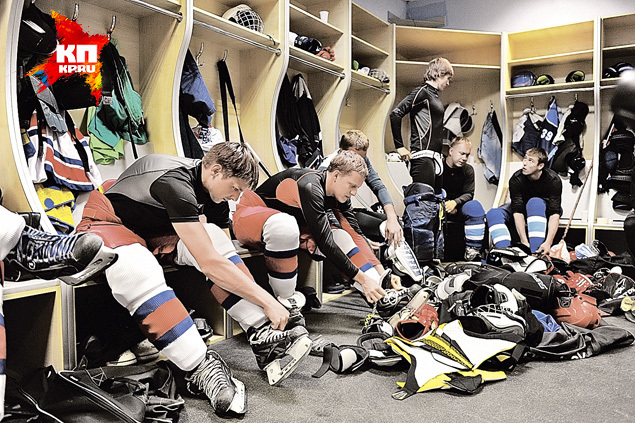 У каждого актера «Молодежки» на льду есть собственный дублер-хоккеист, хотя ихпомощь требуется все меньше. Фото: Иван ВИСЛОВ