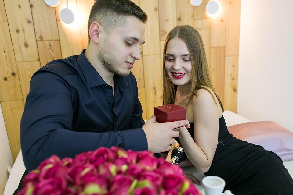 Свидание в Zoom или дома на кухне: как москвичи отметят День святого Валентина
