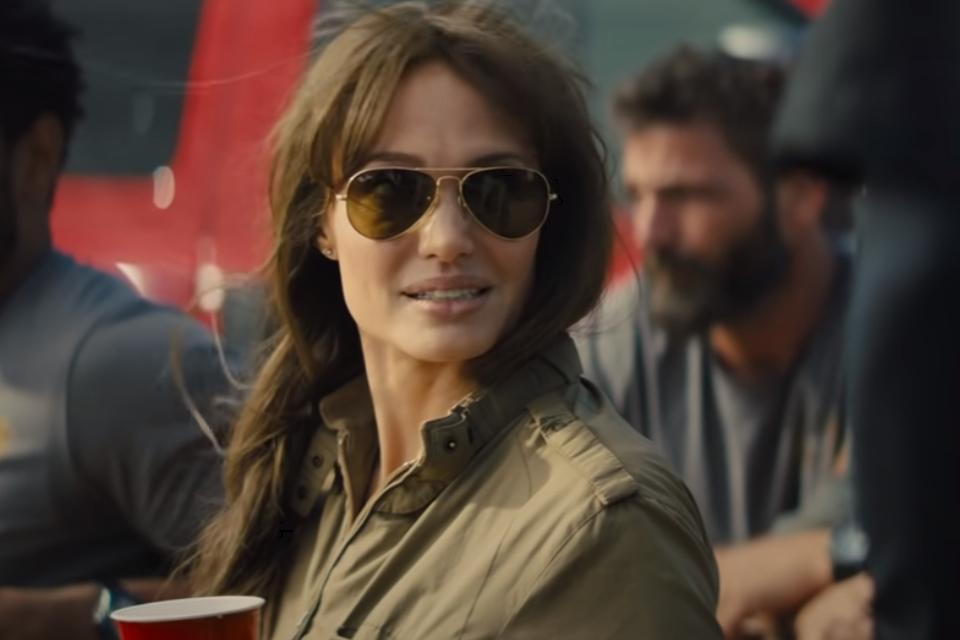 Почему фильм «Те, кто желает мне смерти» — лучшее кино с Анджелиной Джоли за 10 лет