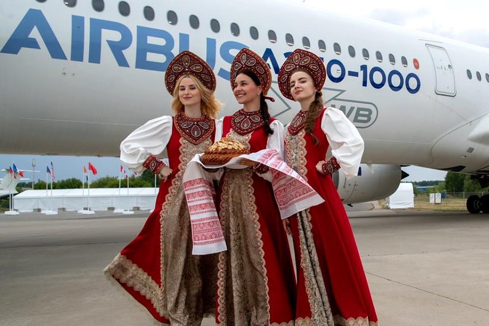 10 лучших идей, куда сходить на выходные в Москве 24 и 25 июля 2021: авиасалон МАКС, концерт Петра Налича и мюзикл «Шахматы»