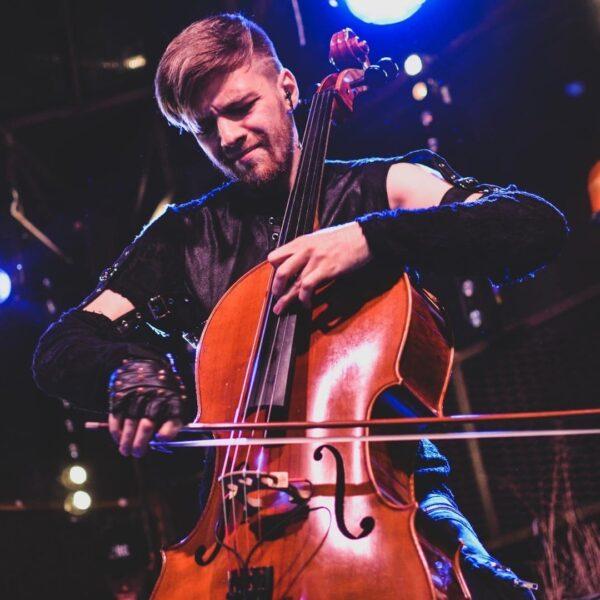 Концерт группы «RockCellos»: мировые рок-хиты на виолончелях
