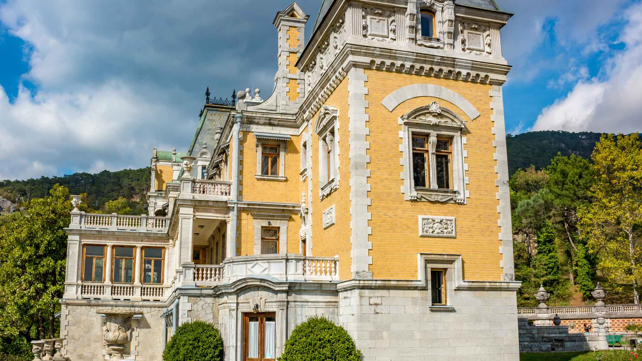 Дворцы в ялте фото