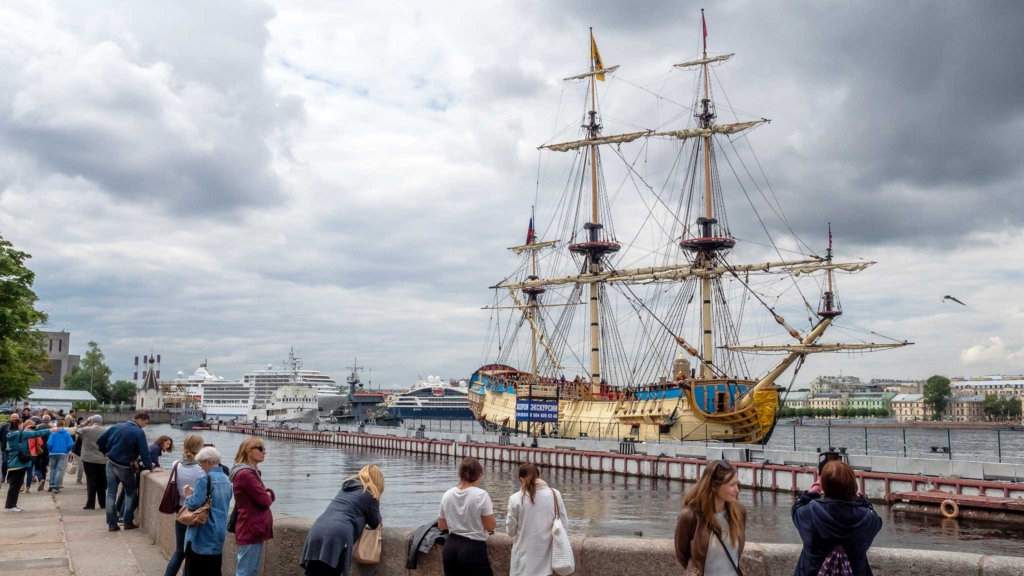 корабль полтава в петербурге