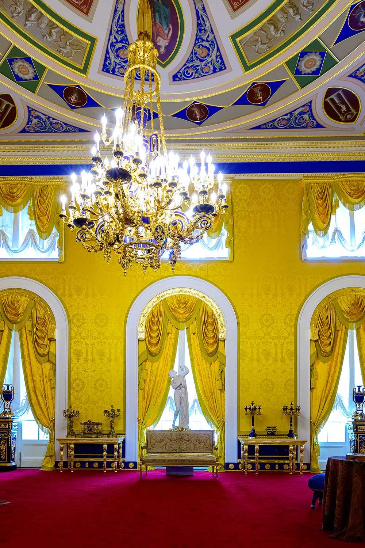 Лионский зал в екатерининском дворце