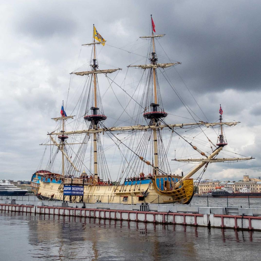 корабль полтава в санкт-петерубрге