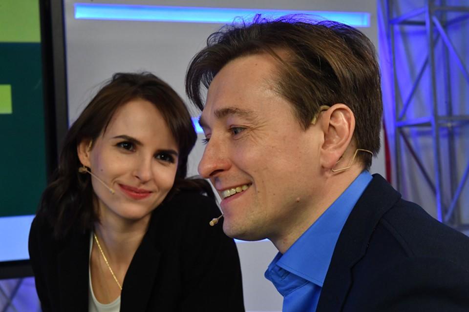 Сергей Безруков с супругой Анной Матисон в гостях у Радио «Комсомольская правда»