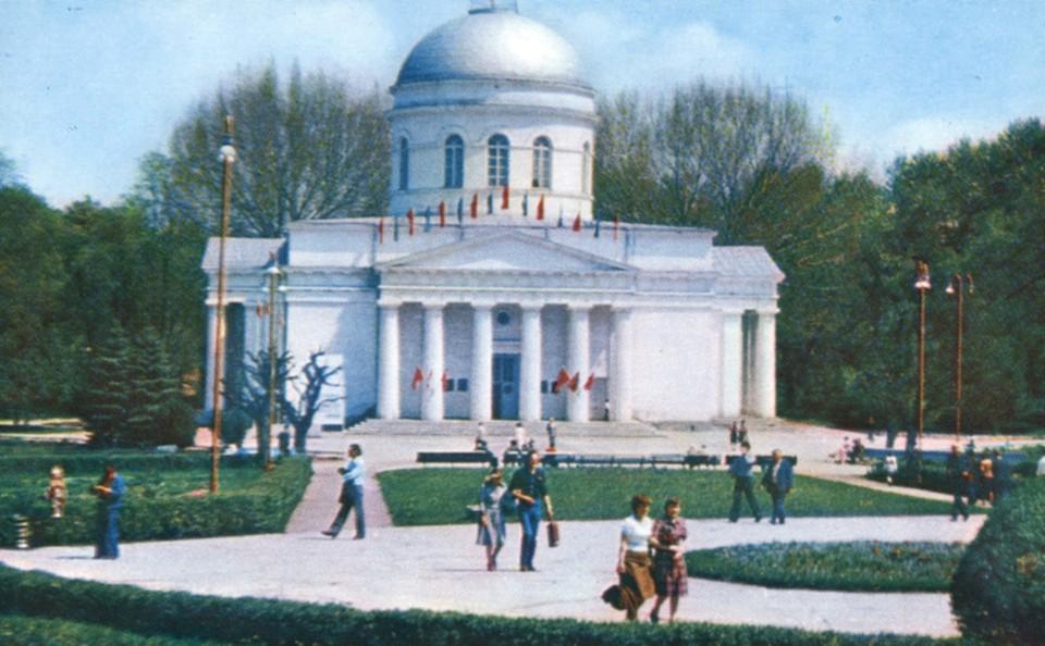 Кафедральный собор был в то время Центральным выставочным залом. Фото: moimir.org