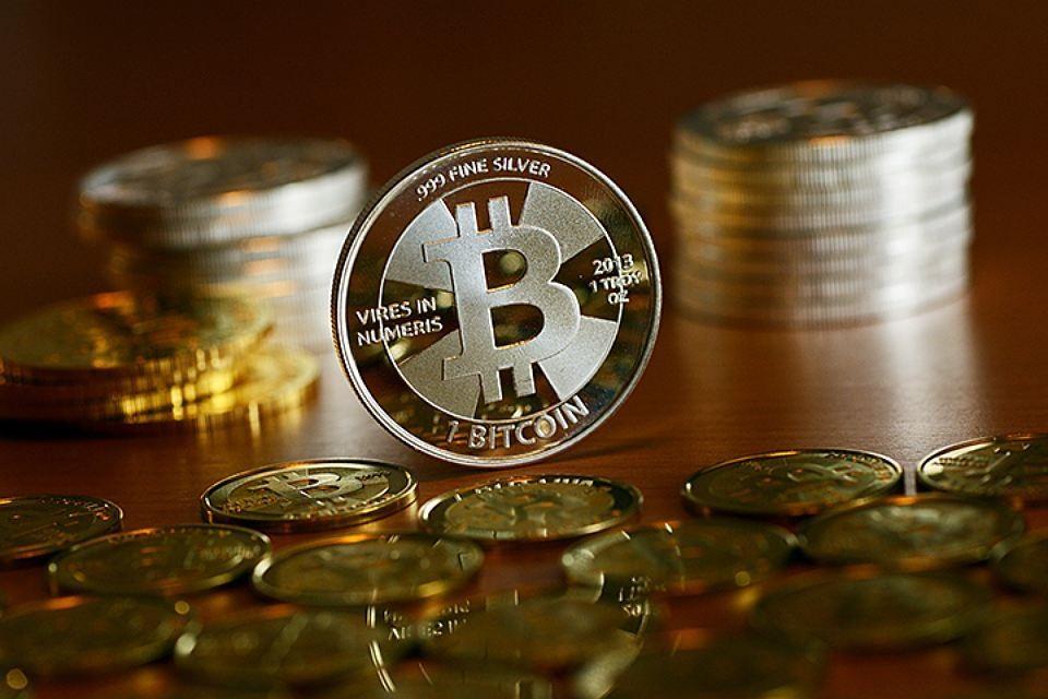 Криптовалюта — это виртуальные деньги, которые нельзя «вывести» в реальные, как платежное средство они действуют только в интернете.