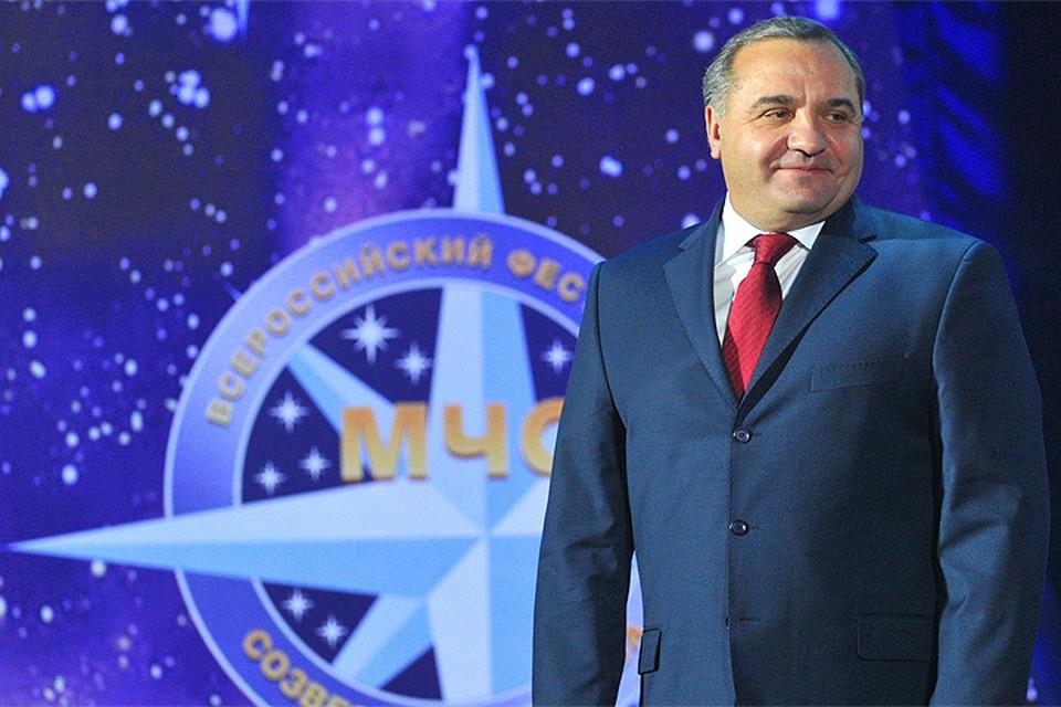 Глава МЧС России Владимир Пучков поздравил коллег с праздником.