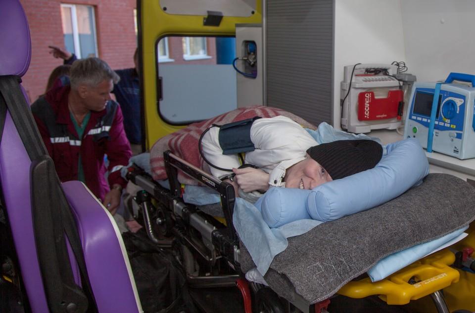 Сотрудники больницы, которые ухаживали за Ириной шесть лет, провожали ее с грустью