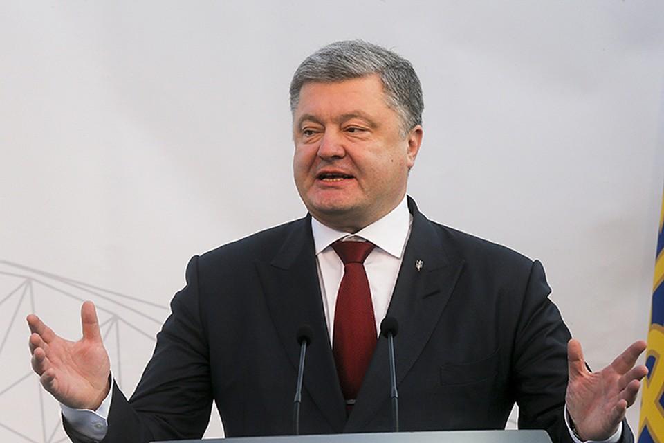 В глазах Запада Порошенко хочет казаться благородным доном, который заботится о своих подданных