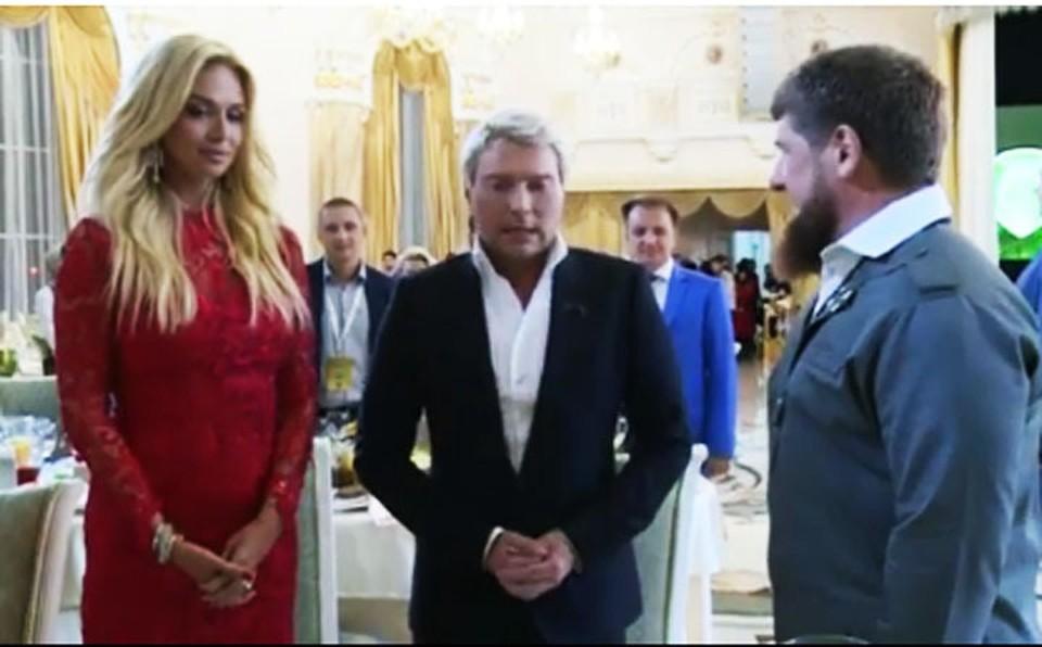 Николай Басков сделал предложение в присутствии нескольких сотен гостей. Фото: стоп-кадр видео Инстаграма Рамзана Кадырова