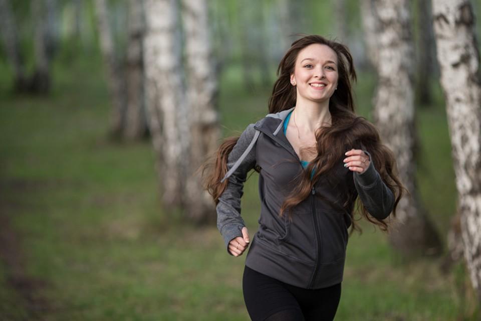 Ученые выяснили, как начать наконец бегать по утрам - и сформировать другие полезные привычки