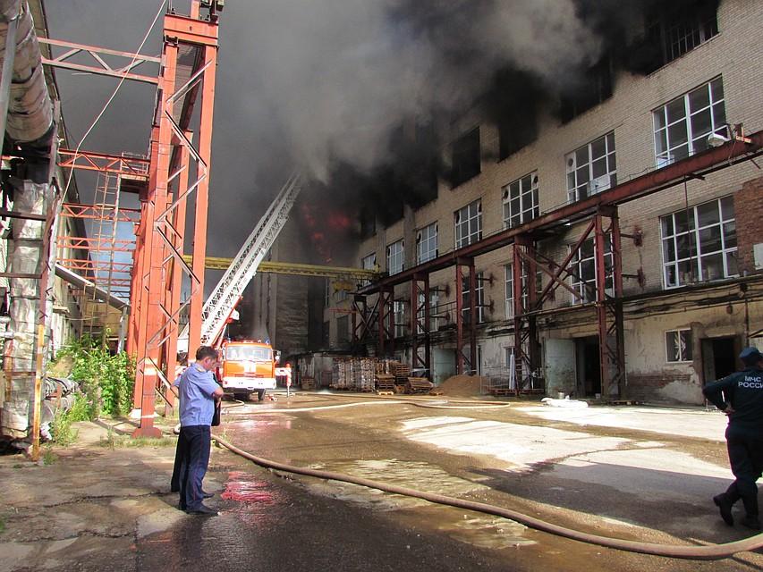01a116e5d Возбуждено уголовное дело по факту пожара на смоленской фабрике «Шарм»