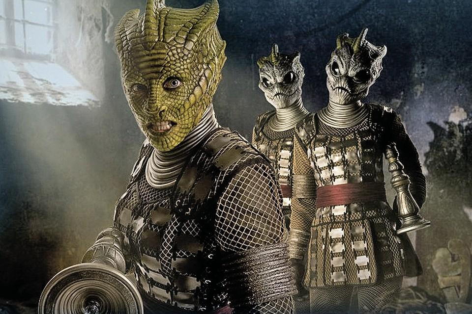 Во власть рептилоиды пока не проникли, а вот в кино - точно. В одном из эпизодов британского сериала «Доктор Кто» действуют силурианцы - напоминающие рептилий существа, когда-то заселявшие Землю.
