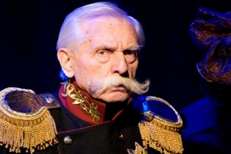 Последний раз он вышел на тверскую сцену 18 апреля, сыграв Генерала в «Маскараде» Лермонтова. Фото: ТАТД