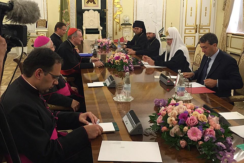 При большом скоплении российских и иностранных журналистов упомянул Патриарх и Ближний Восток, и Украину