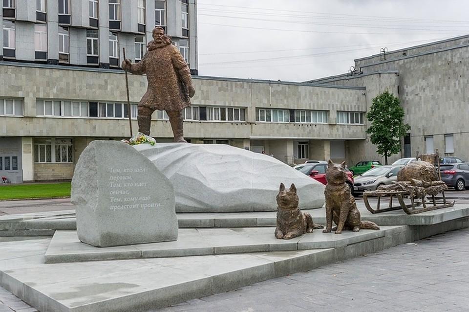 эксклюзивные памятники из гранита Академическая