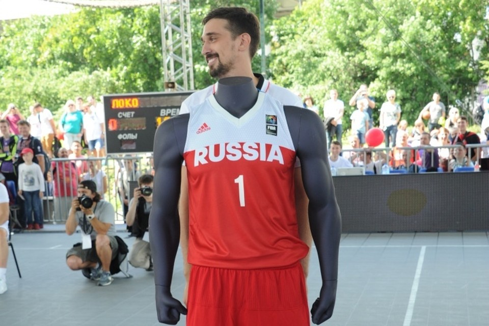 Баскетболист Швед сыграл выше всех на голову