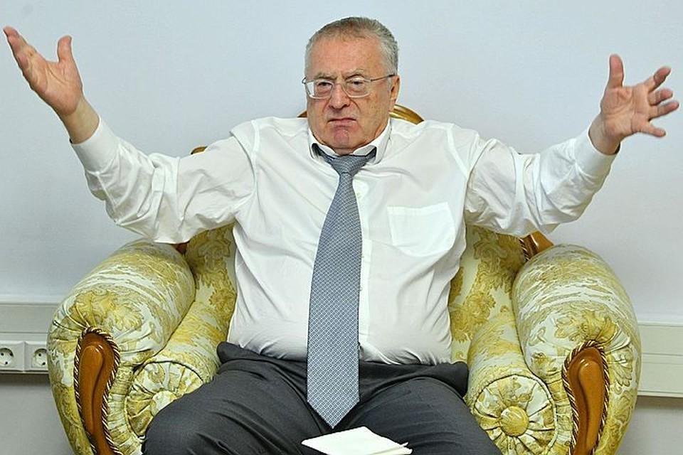 Владимир Жириновский подал в суд из-за синтетики в составе ткани рубашки