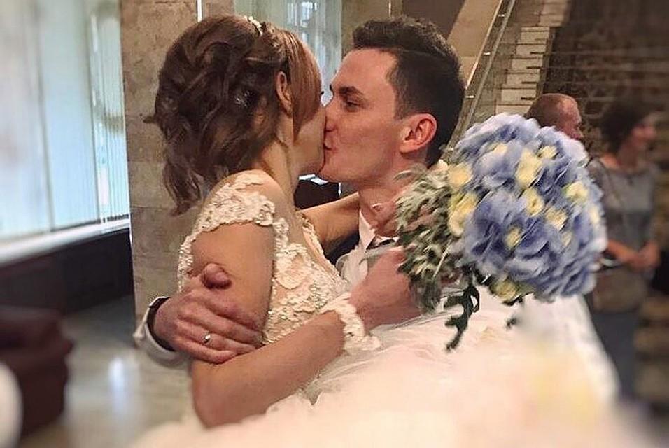 Что за девушка в ролике на свадьбе