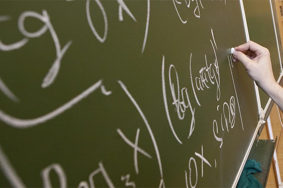 Минобрнауки планирует записать семинары в десятках университетов.