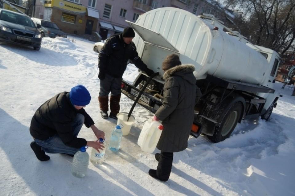 Доставку воды орагинизуют городские власти