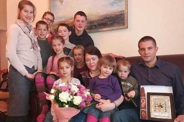 На Ставрополье слишком хлебосольный прием семьи немецких «секс-беженцев» вызвал недоумение многодетных матерей