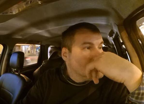 Секс в автомобиле с пассажирами