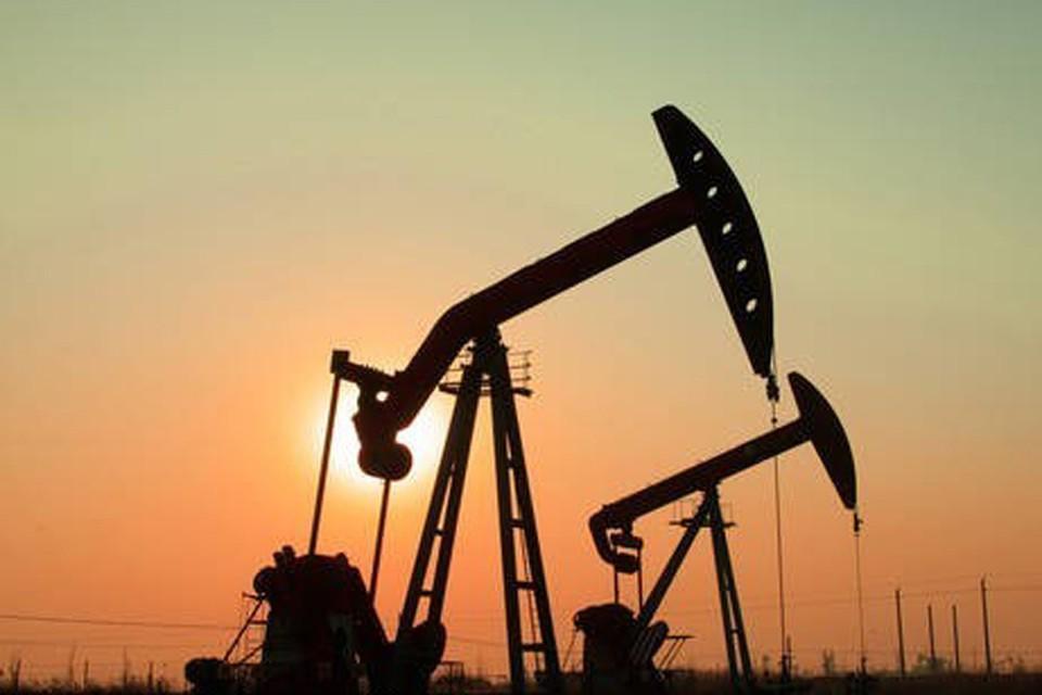 Если нефть будет стоить $54 за баррель, дополнительные доходы бюджета составят 2 трлн. рублей. А если $60 за баррель - 2,8 трлн