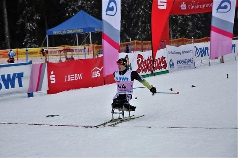 Иван Голубков совершил один промах на четырех рубежах, на финише он с большим преимуществом оказался первым. Фото: www.sportrk.ru