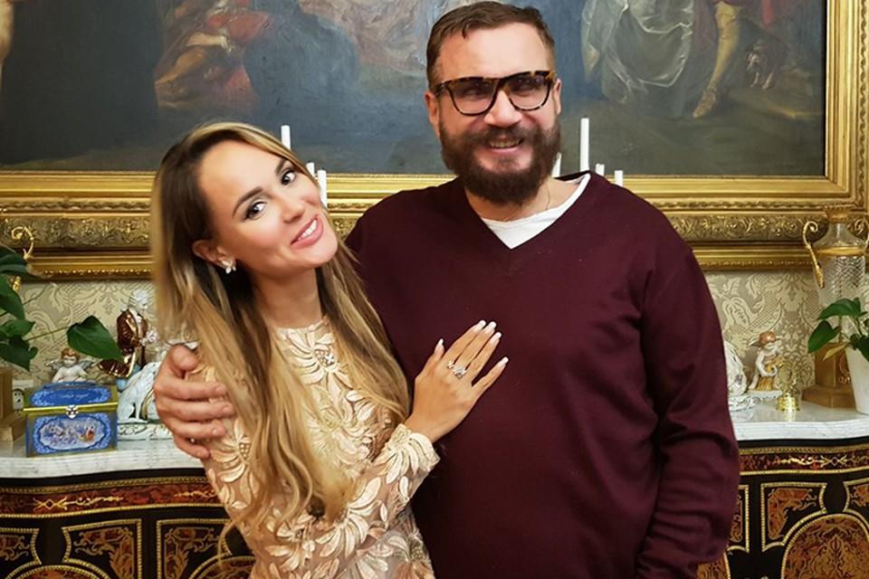 Андрей Ковалев решил усыновить своего крестного сына, рожденного певицей Анной Калашниковой