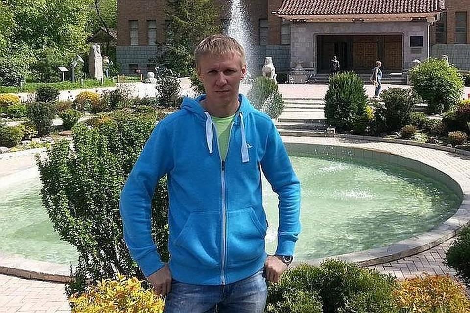 Роман Филипов подождал, пока террористы подойдут, и подорвал себя.