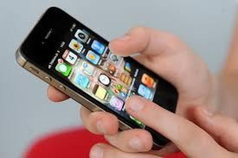 Каждый из нас говорит по мобильному 3 часа 40 минут (Фото: GLOBAL LOOK PRESS).