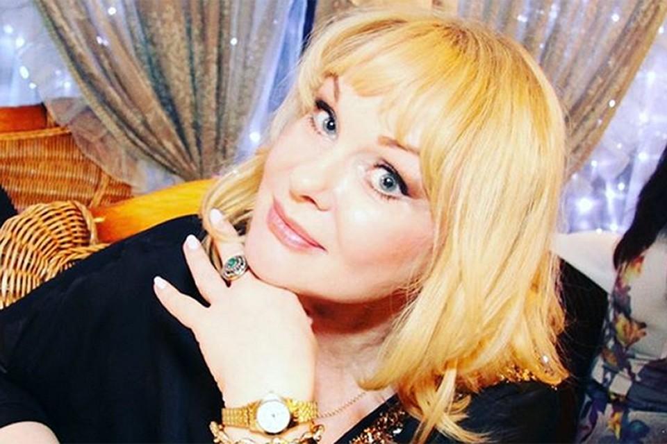 Артистка была замужем за Евгением Евстигнеевым, затем за Георгием Пусепом, после сыграла свадьбу и венчалась с бизнесменом Александром Благонравовым