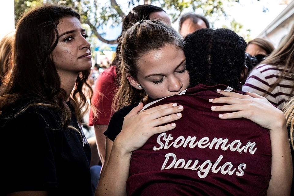 Родственники погибших при стрельбе в школе Паркленда