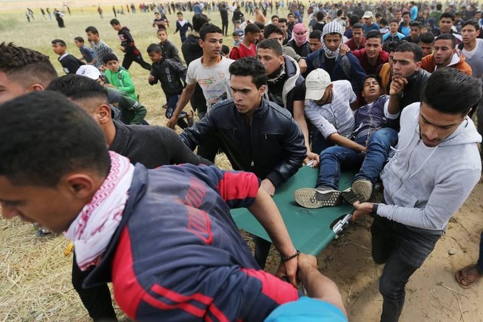 В столкновениях на границе сектора Газа погибли 14 палестинцев