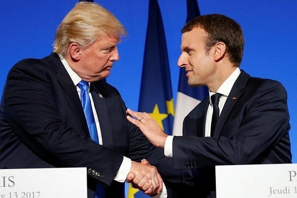 Президент США Дональд Трамп (слева) и французский лидер Эммануэль Макрон