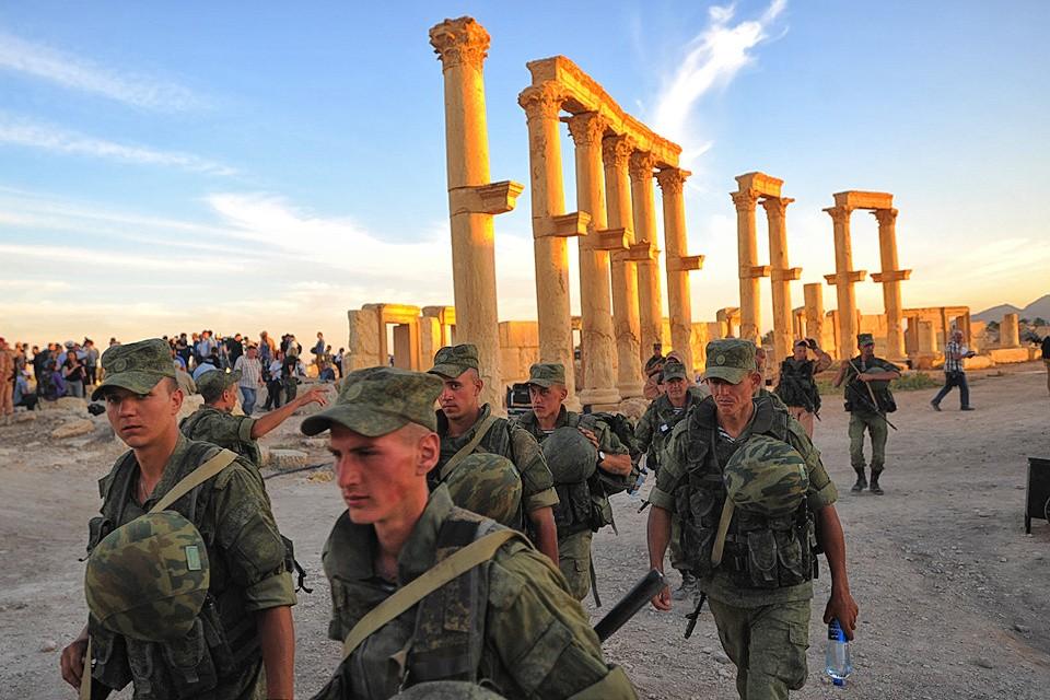 Российские военнослужащие в исторической части Пальмиры, май 2016 года.