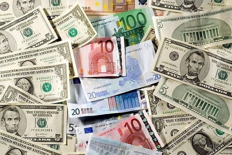 Центробанк три сессии подряд покупал валюту для Минфина