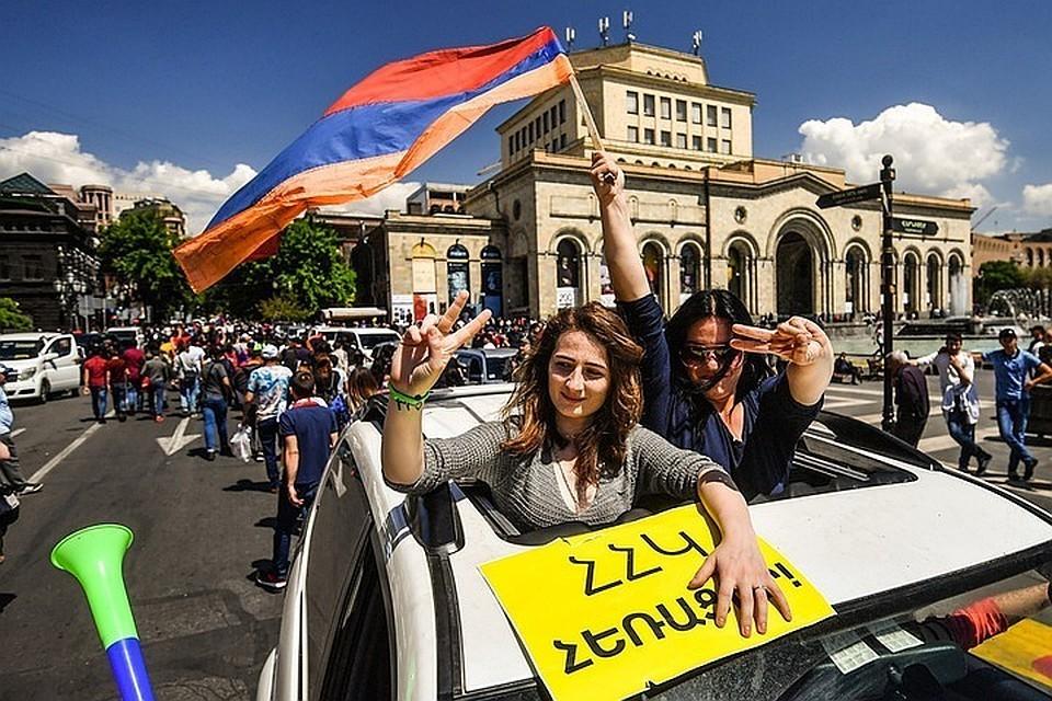 Протестующие блокировали движение на центральных улицах Еревана