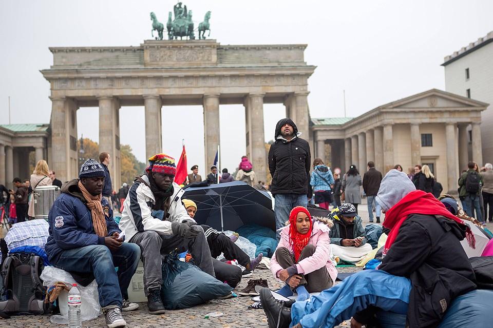 Германия потратит на беженцев десятки миллиардов евро в ближайшие годы.