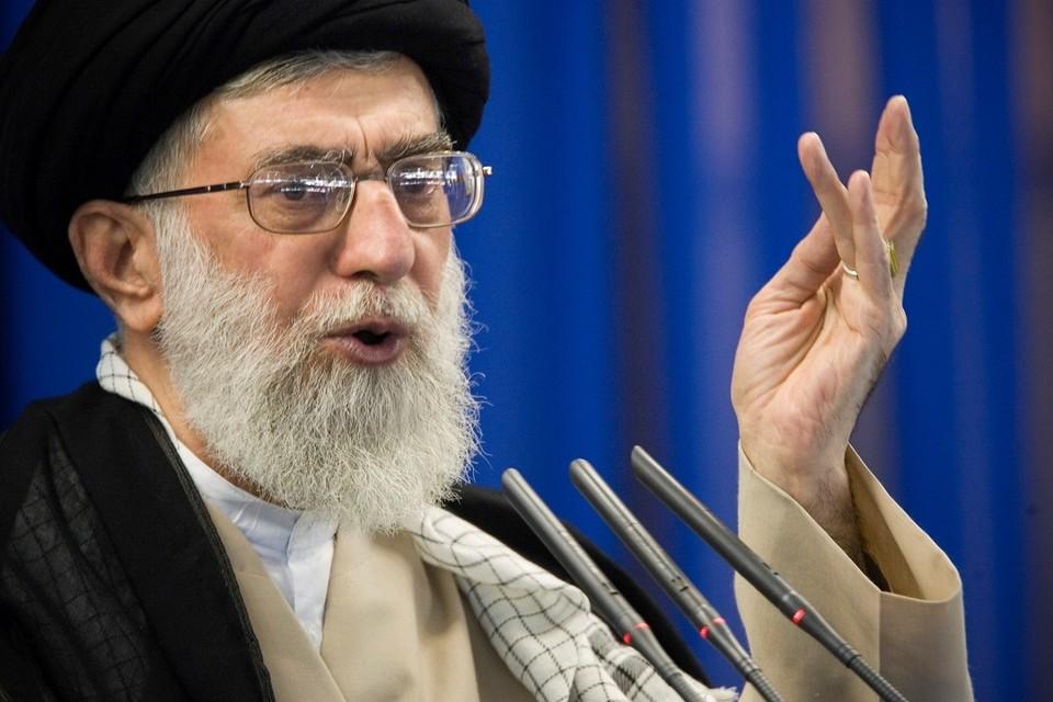 Руководитель и духовный лидер Ирана аятолла Али Хаменеи