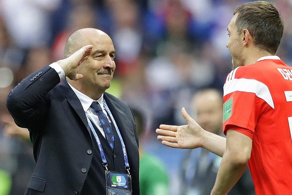Cтанислав Черчесов стал любимцем соцсетей после блестящего старта сборной России на домашнем чемпионате.