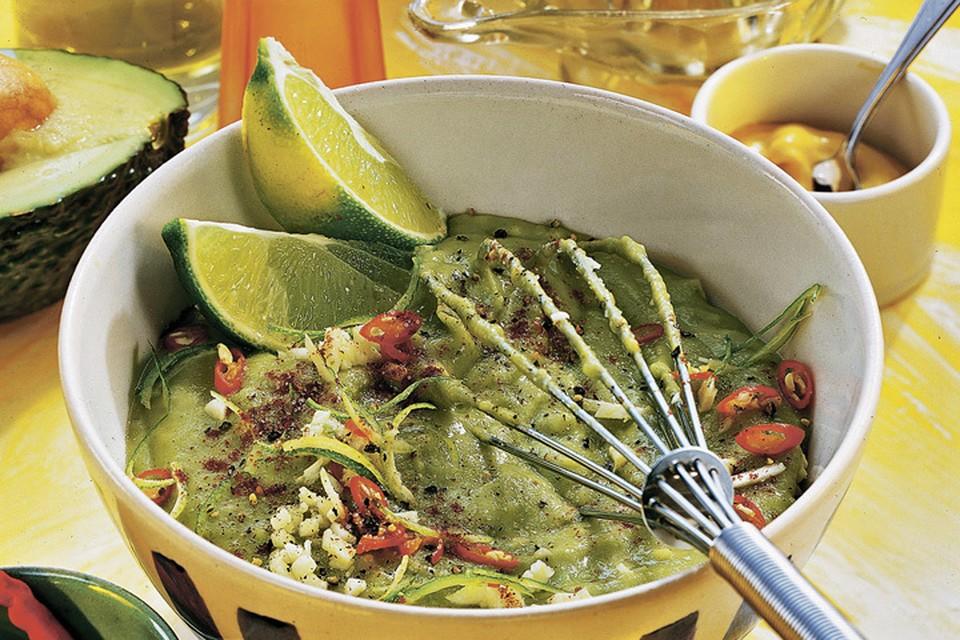 Зеленый гаспачо с авокадо Фото: globallookpress.com, фотобанк Лори