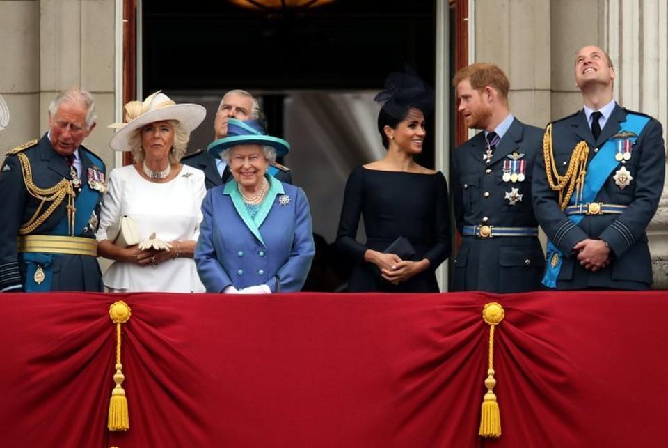 Никто из королевской семьи не захотел сопровождать Елизавету II во время встречи с Дональдом и Меланьей Трампами