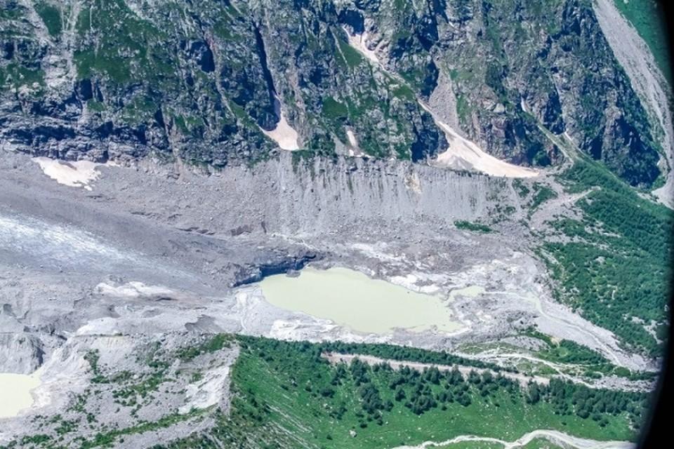 Тело женщины, которой на момент гибели было 36 лет, нашла группа туристов на Эльбрусе на высоте около 4 тысяч метров. Фото: МЧС России по КБР.