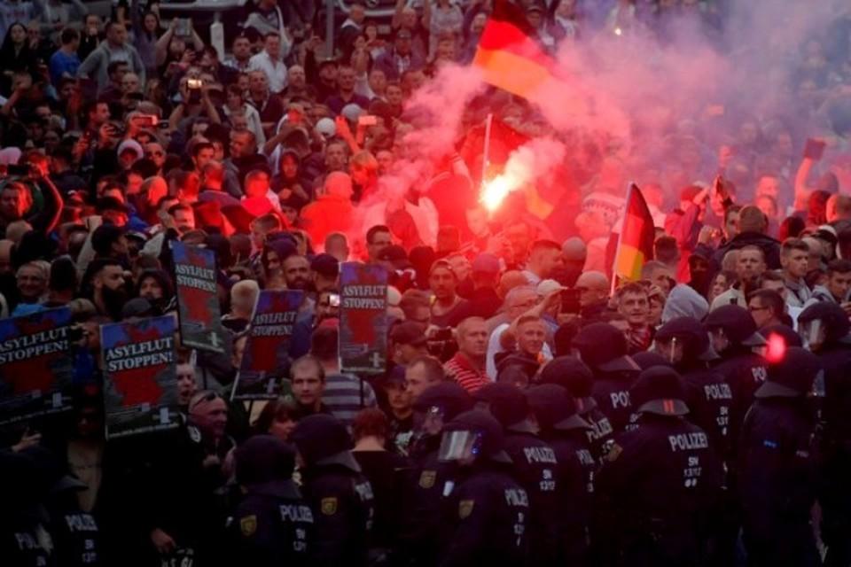 В немецком городе Хемниц произошли столкновения «правых» и «левых» радикалов
