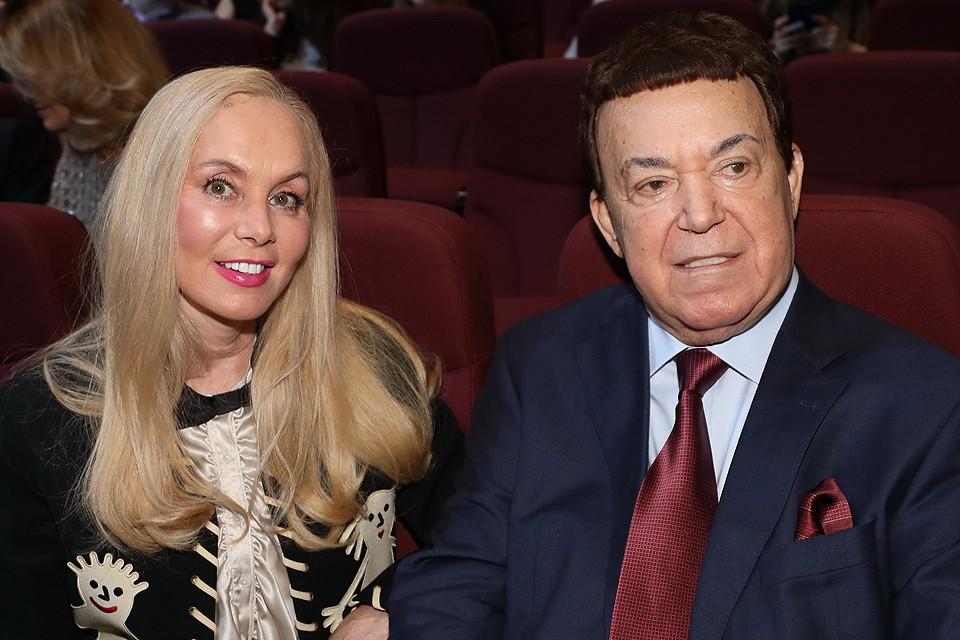 Иосиф Кобзон с супругой Нелли весной 2018 года.