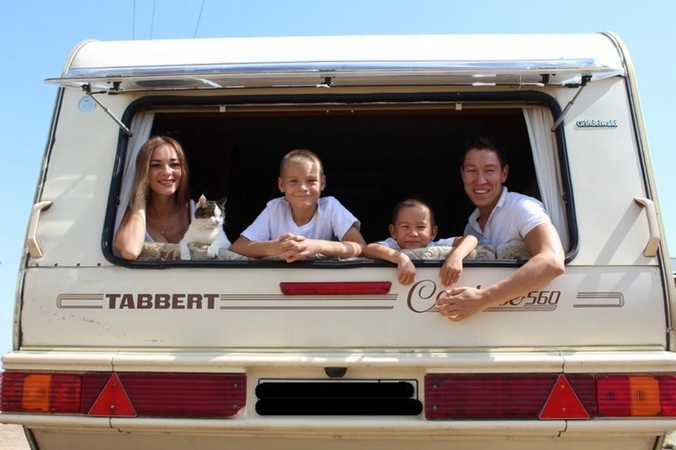 Для семьи Лизы Ортман четыре года в доме на колесах - это не проблема